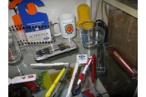 Нанесение фирменного знака на ручки, зажигалки, сувениры