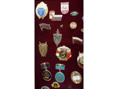 Значки и медали: штамповка